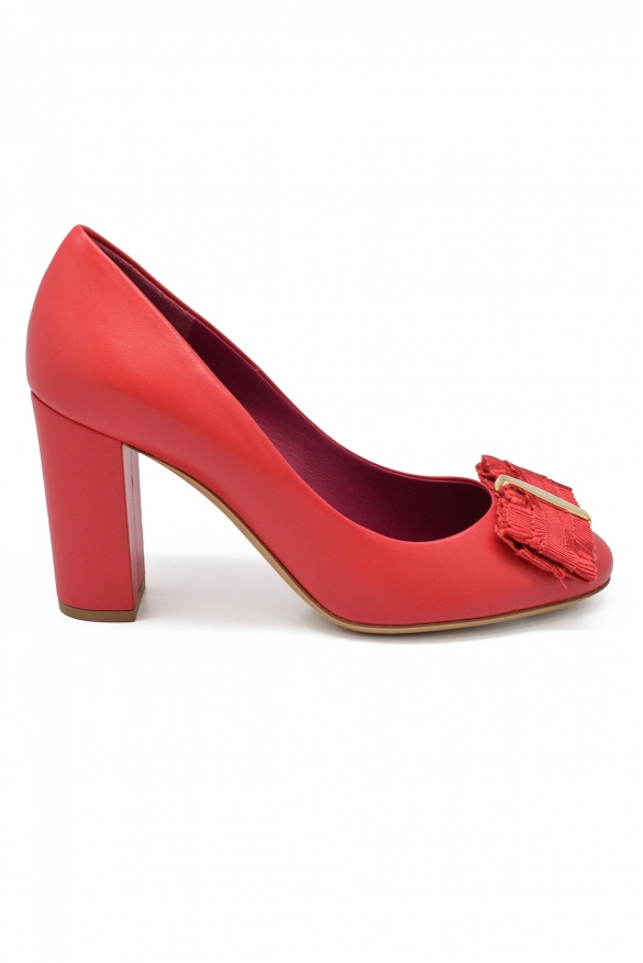 Luxury shoes for women - Salvatore Ferragamo pumps in pink leather