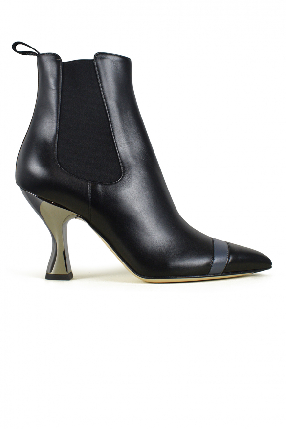 Luxury shoes for women - Fendi black leather ankle boots with grey details