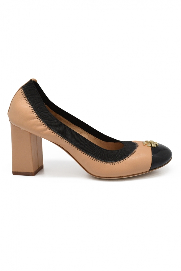 Luxury shoes for women - Tory Burch bicolor beige and black pumps