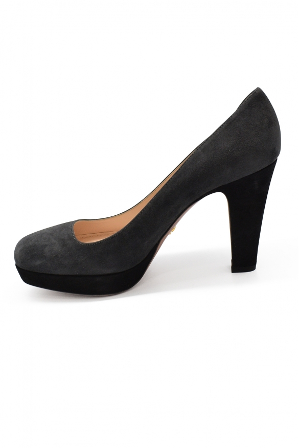 Luxury shoes for women - Prada pumps in grey suede