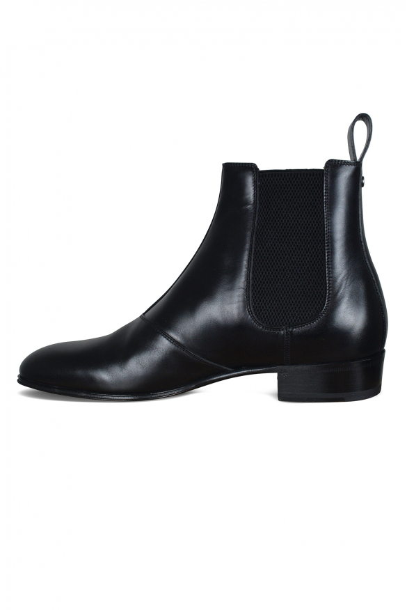 Luxury shoes for men - Gucci boots in black leather