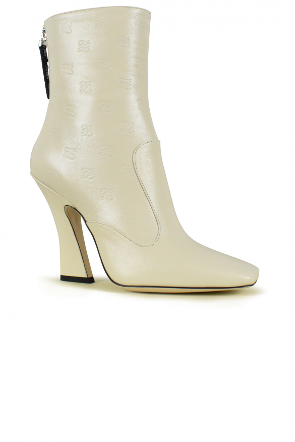 Women's luxury shoes - Fendi FFreedom ankle boots in white leather
