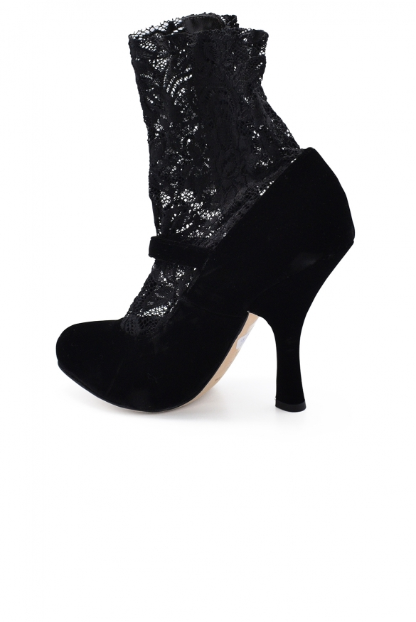 Luxury shoes for women - Dolce&Gabbana black boots in velvet and lace