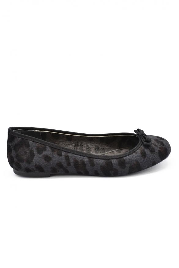 Women luxury shoes - Dolce&Gabbana ballet flats in grey and black foal.